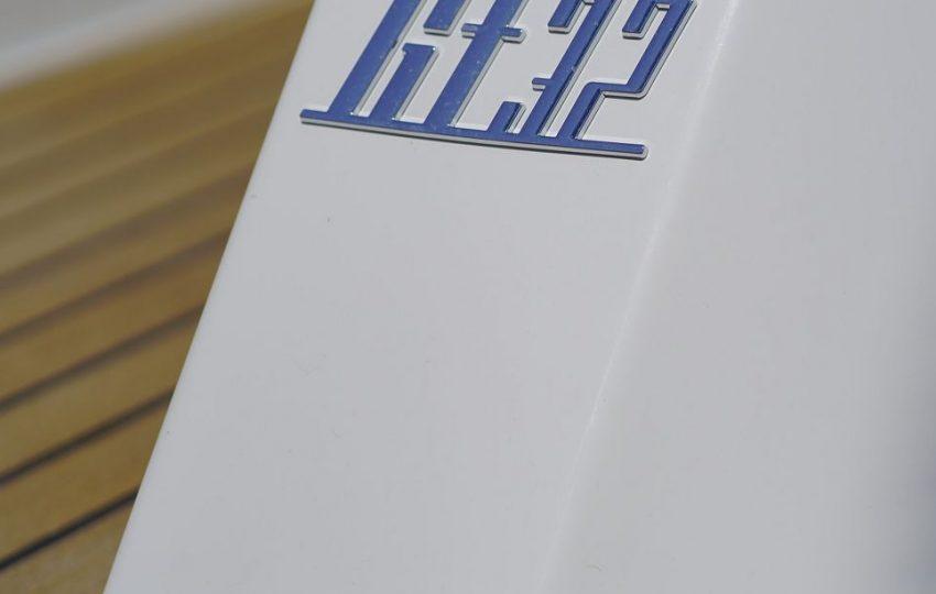 Beneteau GT32 Exterior (2)