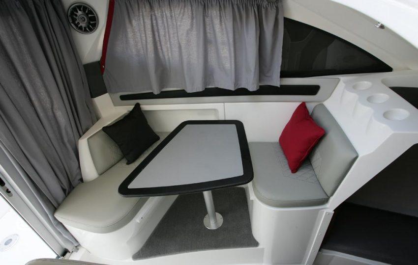 Karnic 2455 Interior (1)
