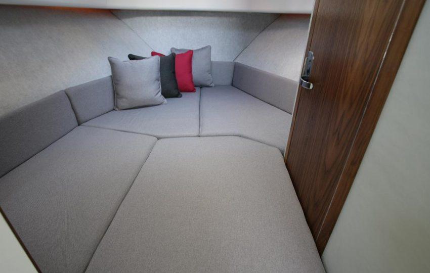 Karnic 2455 Interior (10)