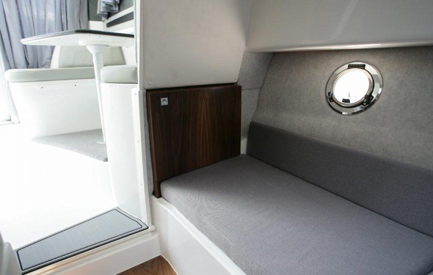 Karnic 2455 Interior (11)