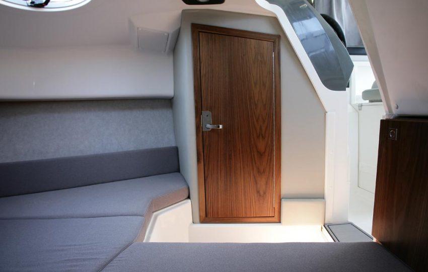 Karnic 2455 Interior (12)