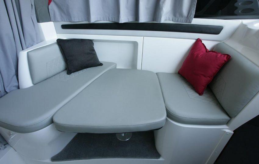 Karnic 2455 Interior (2)