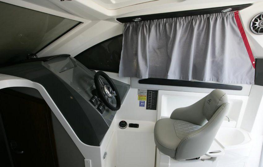 Karnic 2455 Interior (4)