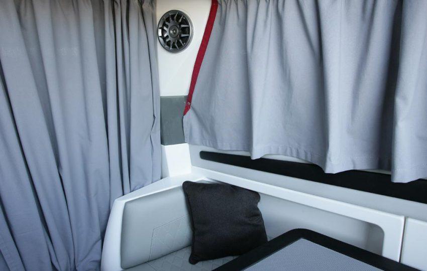 Karnic 2455 Interior (5)