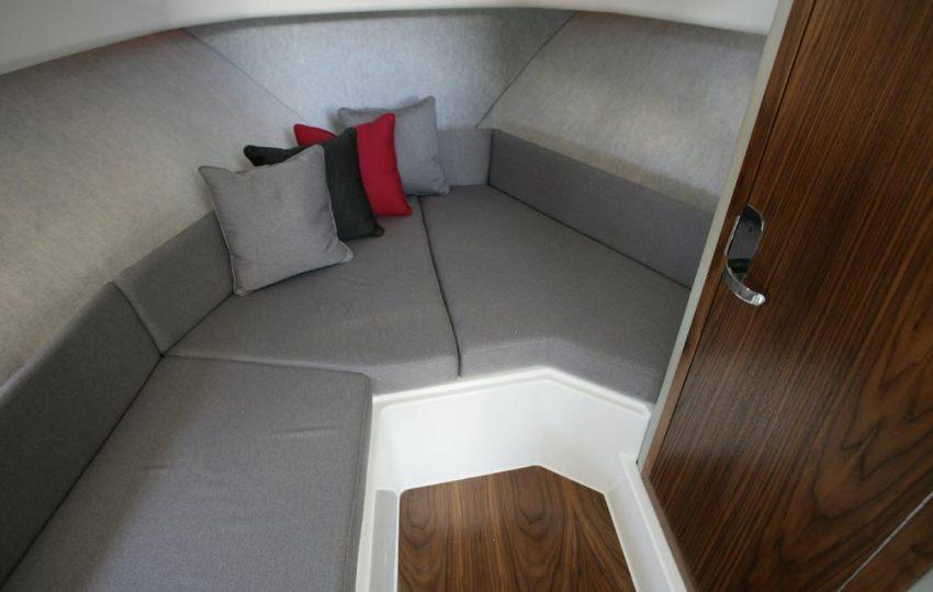 Karnic 2455 Interior (9)