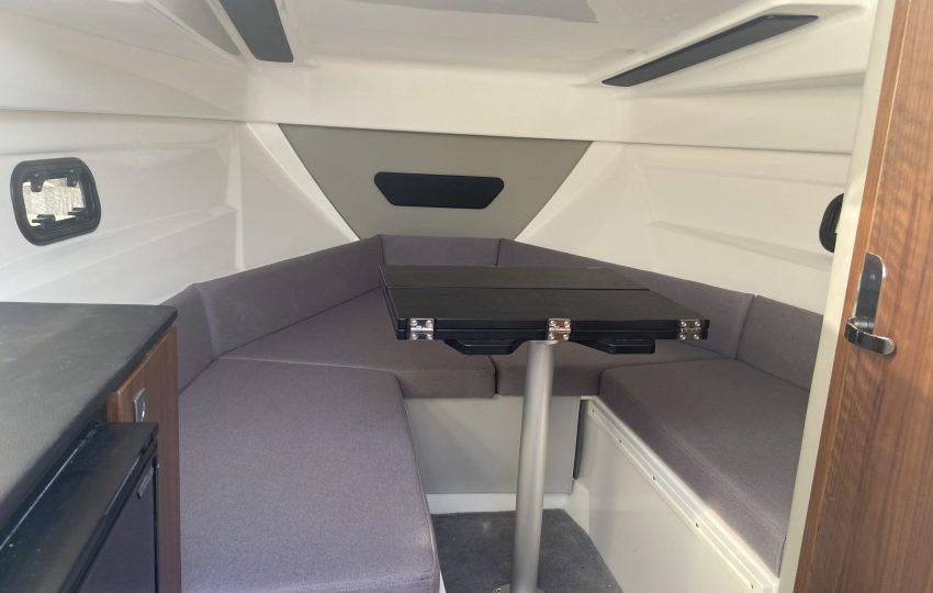 Karnic CS700 Interior (2)