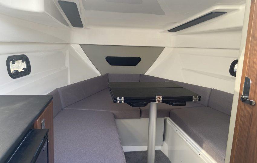 Karnic CS700 Interior (4)