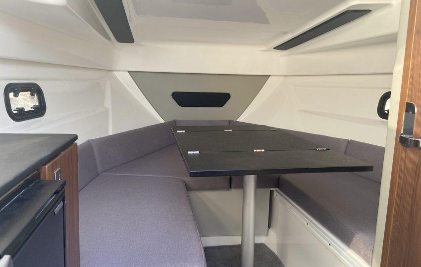 Karnic CS700 Interior (5)