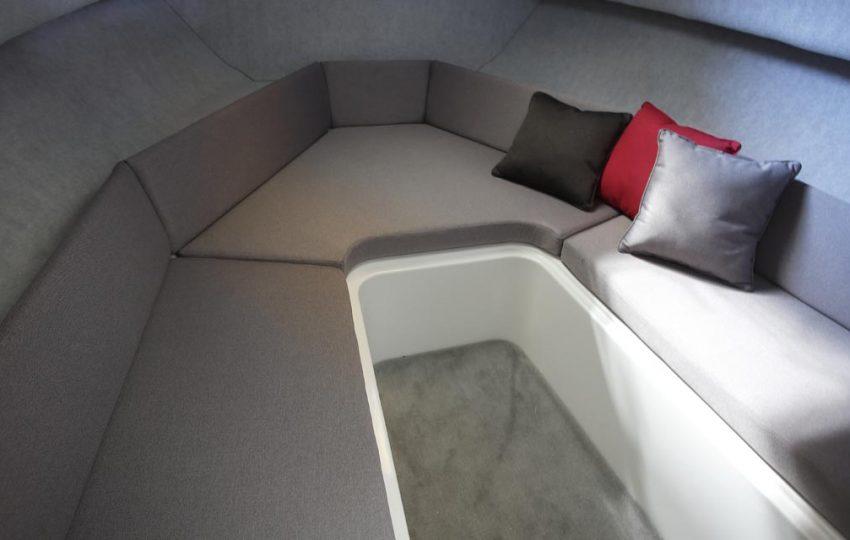 Karnic SL600 Interior_010 (1)