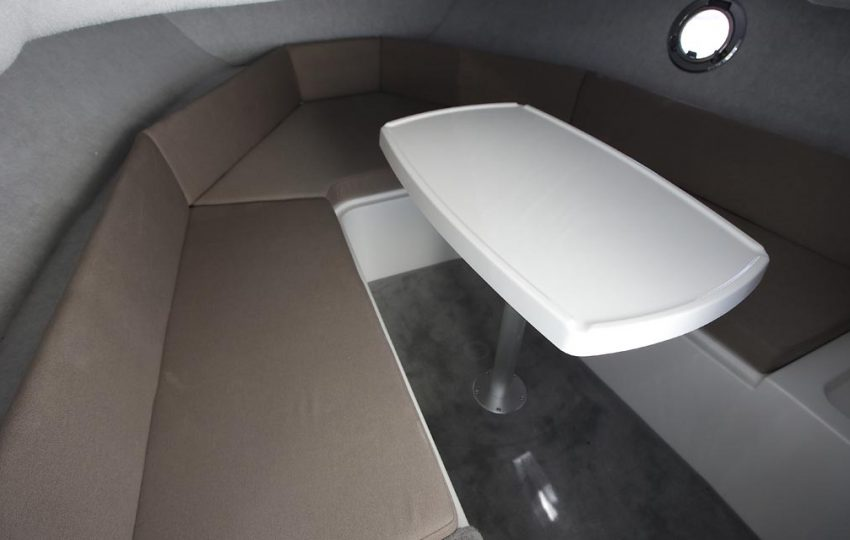 Karnic SL602 Interior_010 (1)